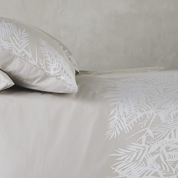 Bedding Close Fern